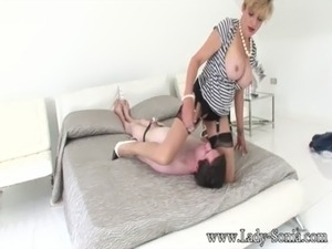 Lady Sonia Cumming On The Young Stables Boys Face free