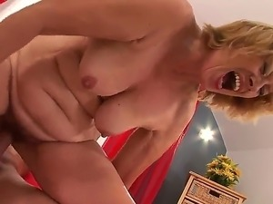 Woow Look The mature redhead pornstar