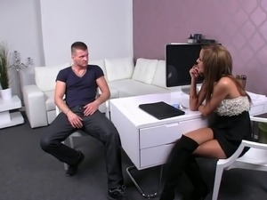 Muscle amateur dude fucks pussy and spanks hot female agent on her desk in...