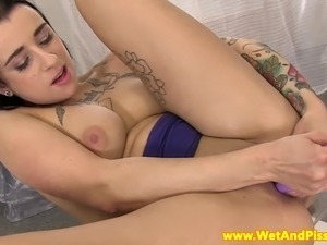 Pee fetish babe masturbates her juicy box with toys