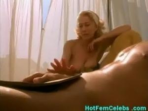 Mature british celebrity Hellen Mirren showing nice tits free