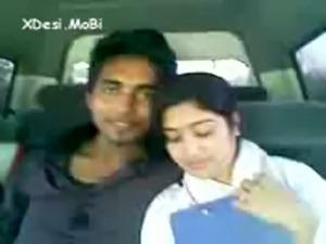Desi Coleg Gf Enjoyed By Her Bf In Car by -XDesi.MoBi free