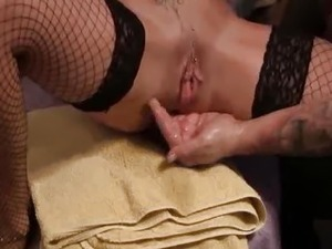 Brutally Fisting her massive snatch till it squirts