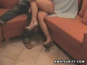 Amateur girlfriend sucks and fucks with a wig on free