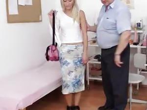 Hot blond Uma Zex weird pussy exam