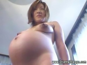 Asian babe is getting extremely horny