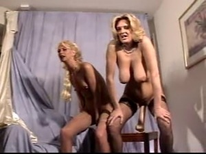 Bizarre Samantha and Lisa Luv assfisting and dildoplay