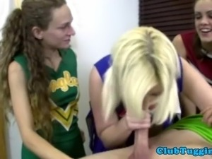 Voyeur cheerleader loves to tug