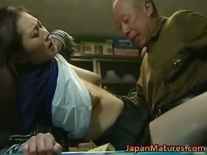 Japanese MILF enjoys hot sex part6