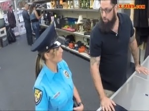 Ms Police Officer with big boobs got fucked with pawn man free