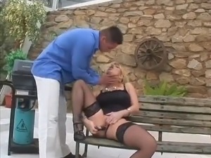 Blonde Hottie Suck And Fuck In The Park - Demilf.com