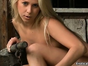 Sexy blonde babe gets horny showing off part4