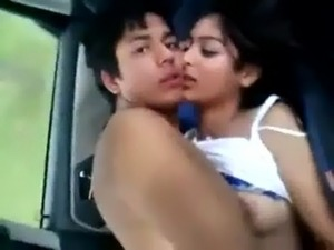 desi kudi enjoying in car with bf free