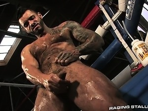 Macho stud Alexsander rubs his dick with aggressive passion