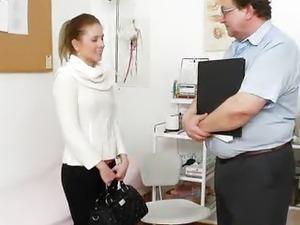 Petite babe Keira aka Leony Aprill cunt doctor scrutiny