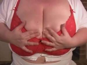 Huge mature tits, British BBW plays with herself
