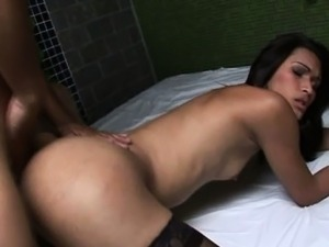 Shemale Love To Have Bareback Sex And Sucks A Cock