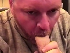 Old gay toad sucking younger dudes dick