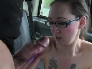 Tattooed British amateur banged in fake taxi