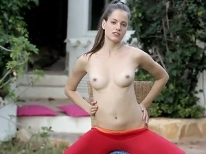 Adorable Silvie Luca Fondles Her cunny inside the Backyard