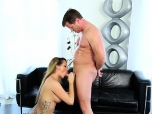 Sweety jizzed by masseur