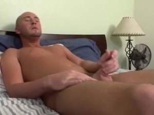 Barebacking hunk spermed