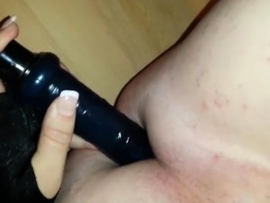 She-babe penetrates her asshole and cums.
