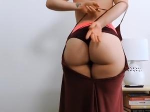 White Girl Shaking Ass
