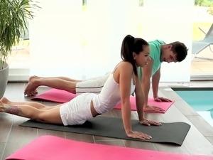 Relaxxxed - Ferrera Gomez hardcore yoga fuck session