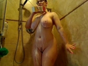 Webcams 2015 - The Legendary AmberCutie 5: Milk Shower