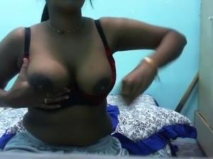 desi indian gf shilpa milking boobs n recording