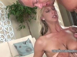 Busty blonde Brooke Banner takes the cum on her huge boobs