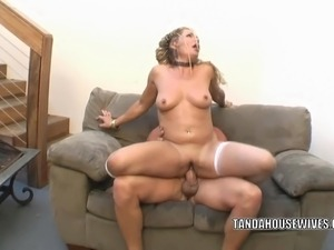 Mature swinger Kelly Leigh fucks hard and gets a big facial