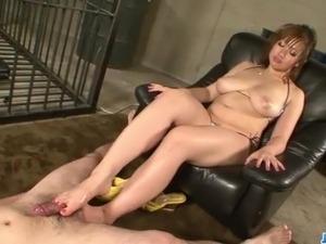 Neiro Suzuka plays with cocks while in prison