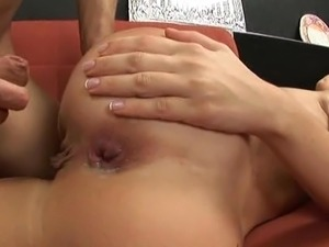 Skinny blonde gets her tight bum hole fucked and filled!