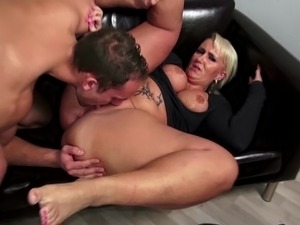 Posh MILF suck and fuck young cock