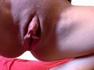 Orgasmes intenses pour cette folle de cul !