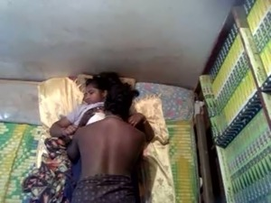 Extremely turned on dark skinned Indian dude eats wet pussy of his GF
