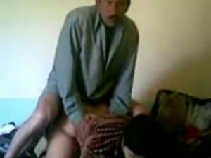 My Iraqi buddy fucks an Indian bitch's twat in homemade clip
