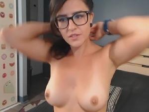 Stunning Cam Babe Masturbating her Creamy Pussy