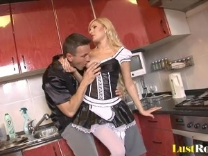 Sexy housewives like Donna Bell deserve special treatment