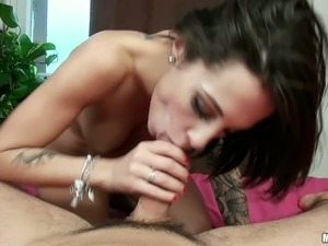 Black haired tattooed hottie Nikita Belluci swallows hard dick of her stud...