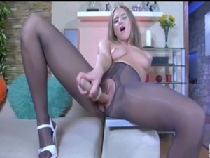 Shiny pantyhose sex babe takes it nice and deep!