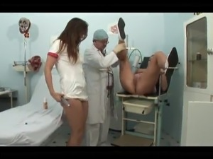 Doctor and the nurse tricks a young lady to a hardcore session