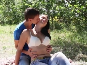 Horny teen couple go for a picnic & have passionate sex outdoors