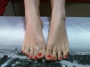 corrida en los pies para tu poder chupar y limpiarlos