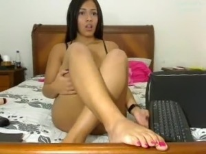 Remi Belle busty latina webcam
