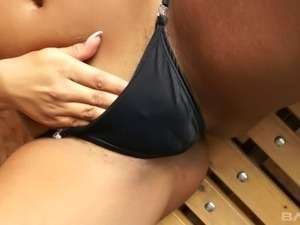 Brazilian runner finishes her stretches and masturbates to orgasm