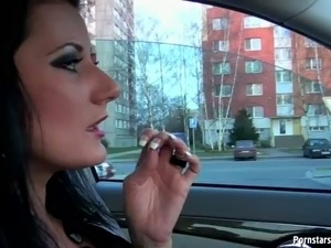 Cum addicted brunette stops a car and sucks the dicks of the strangers
