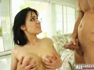 Shannya T gets double penetrated and boasts of her anal creampie